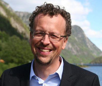 Ordfører Jarand Felland i Tokke kommune er fornøyd med søkerlista til rådmannsjobben.