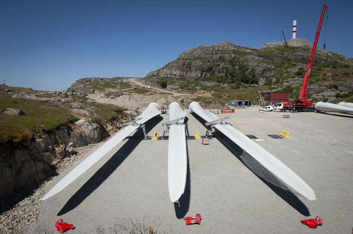 Byggeprosjekter av denne typen blir det færre av i årene framover, tror NVE-direktør Kjetil Lund. Her fra byggingen av Vardafjellet vindkraftverk i Rogaland.