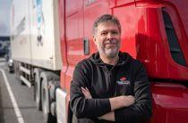 <p>Forbundsleder Jim Klungnes i Yrkestrafikkforbundet er ikke i tvil om hva hans medlemmer foretrekker: heller utbedring og oppgradering av eksisterende veinett enn nye veiprosjekter.</p>