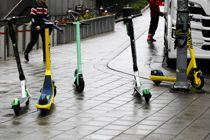 <p>Elparkesykler står til hinder i gågater og på fortau i sentrale deler av Oslo.</p>