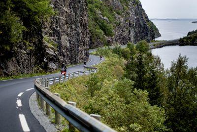 Regjeringen legger i Nasjonal transportplan 2022–2033 opp til å bruke 16 milliarder kroner over 12 år på å redusere vedlikeholdsetterslepet på fylkesveiene.