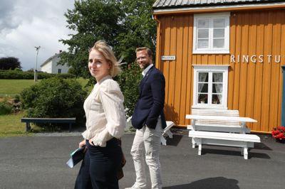 I fjor sommer besøkte kommunal- og moderniseringsminister Nikolai Astrup både Hamar, Porsgrunn og Straumen som var finalister til å bli årets mest attraktive by eller tettsted. Ordfører Ida Stuberg (Sp) i Inderøy viste statsråden rundt i Straumen, som gikk av med seieren.