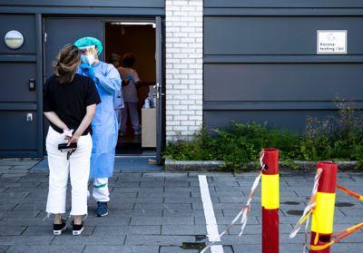 Helsetjenestene i kommunene brukte store ressurser i 2020 på testing, smittesporing, karantene og isolering. Her fra koronatesting i Moss.