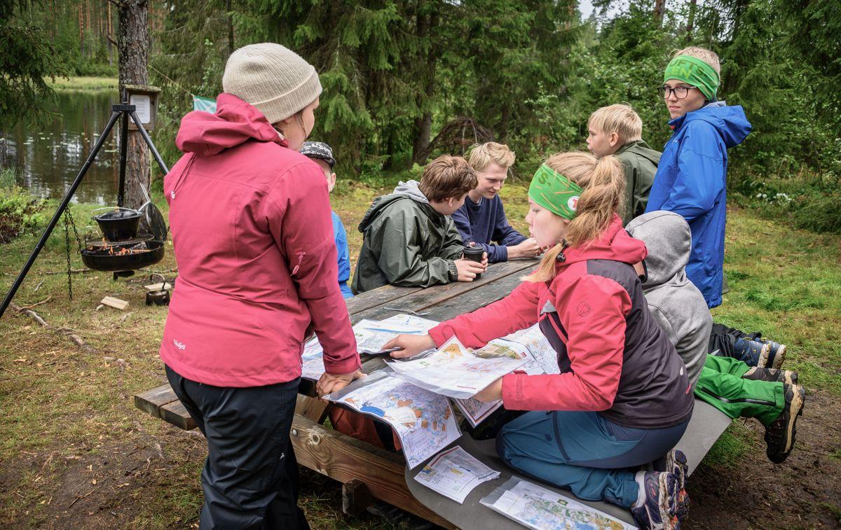 Finnskogen Natur & Kulturpark er en av parkene som deltar i Norske Parkers nye ungdomssatsing «Ung i park», som gjør ungdommene bedre kjent med natur- og kulturverdiene i lokalmiljøet sitt.