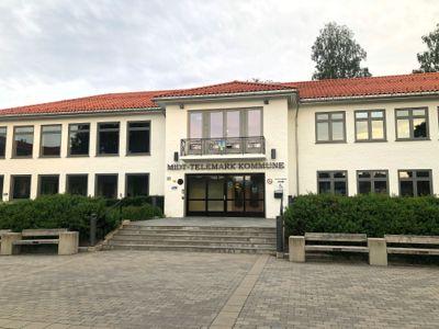Midt-Telemark kommune har fått to kjemperegninger etter å ha tapt to rettssaker de siste månedene.