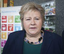 <p>Statsminister Erna Solberg (H) bekrefter at regjeringen har besluttet å hente 50 asylsøkere fra Hellas.</p>