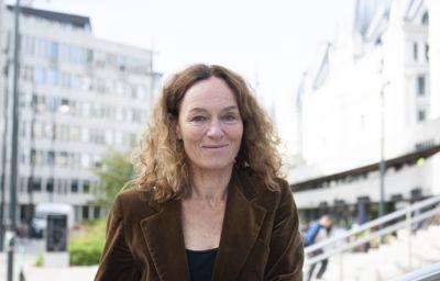Direktør Camilla Stoltenberg i Folkehelseinstituttet skulle gjerne hatt på plass en Akson-lignende løsning for å sikre rask utveksling av informasjon om spredning av koronaviruset.