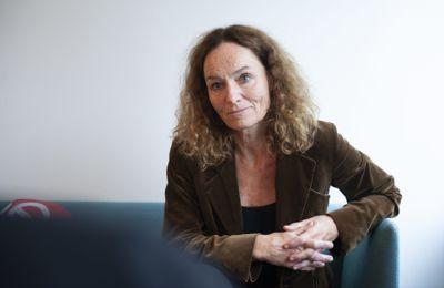 Folkehelseinstituttet med direktør Camilla Stoltenberg i spissen vil ha mer lokalt tilpassede smitteverntiltak.