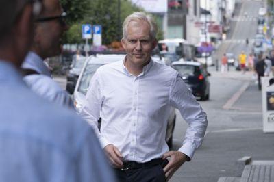 Storbynettverkets leder Jan Oddvar Skisland (Ap) oppfordrer regjeringen til å bruke den ledige kapasiteten i kommunene til å ta imot flere flyktninger.