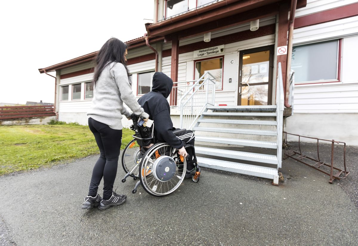 42 prosent oppgir i undersøkelsen at de har mistet tilbud om terapi og trening som følge av pandemien.