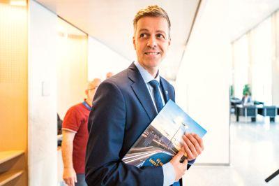 Samferdselsminister Knut Arild Hareide (KrF) mener dagens Nasjonal transportplan (NTP) er urealistisk. Flere store samferdselsprosjekter kan dermed bli kuttet.