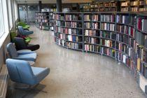 <p>Mange av de større byene i Nordland har satset på nye biblioteklokaler de seneste årene. Felles for dem, uansett størrelse, er at de har en rolle som sentral bidragsyter i den lokale kulturen, skriver Kirsti Saxi. Bildet er fra Narvik bibliotek.</p>
