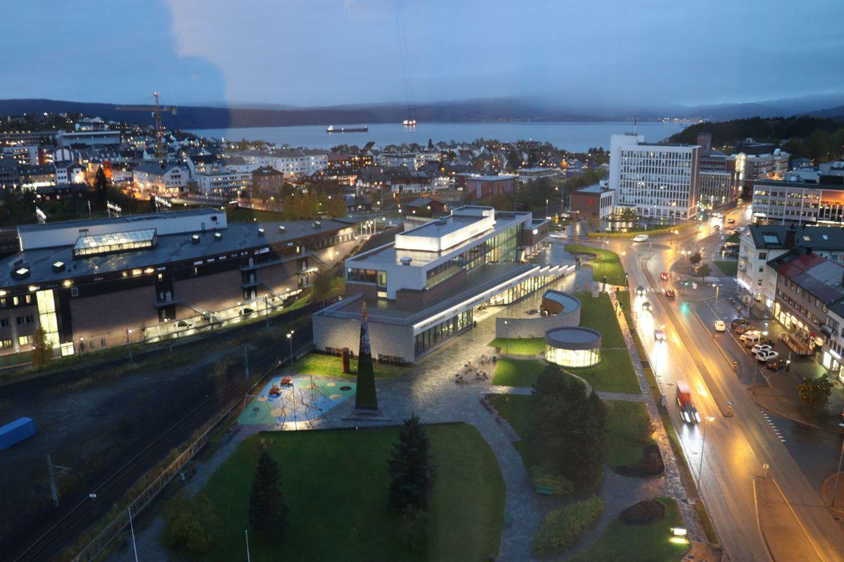 Narvik kaller seg teknologihovedstaden i nord. Byen ble også universitetsby i 2016.