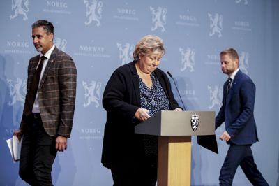 Statsminister Erna Solberg, helse- og omsorgsminister Bent Høie og kultur- og likestillingsminister Abid Raja på pressekonferanse om koronasituasjonen.