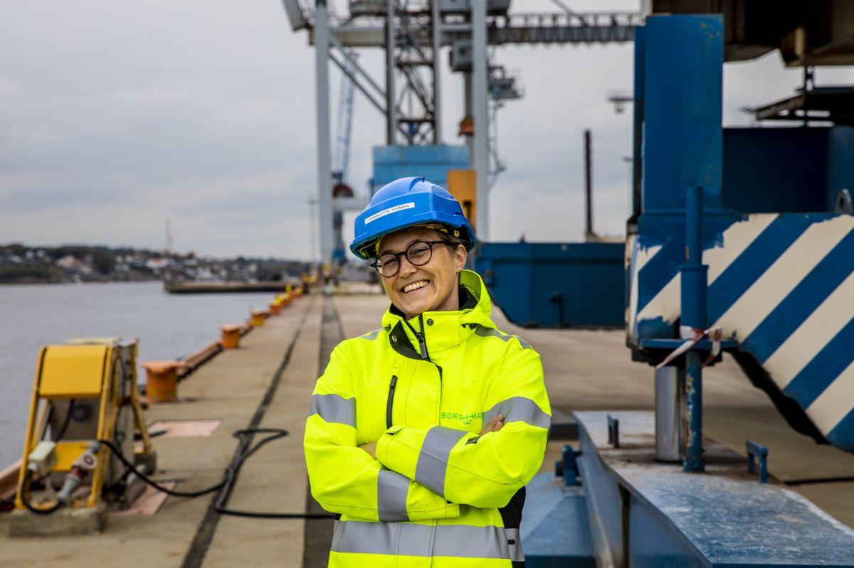 Et nytt solcelleanlegg vil dekke nær 60 prosent av energibehovet til havna på Øra i Fredrikstad. Planene om å kombinere dette med et vindkraftverk er foreløpig satt på vent, ifølge miljøsjef Charlotte Iversen i Borg Havn IKS.