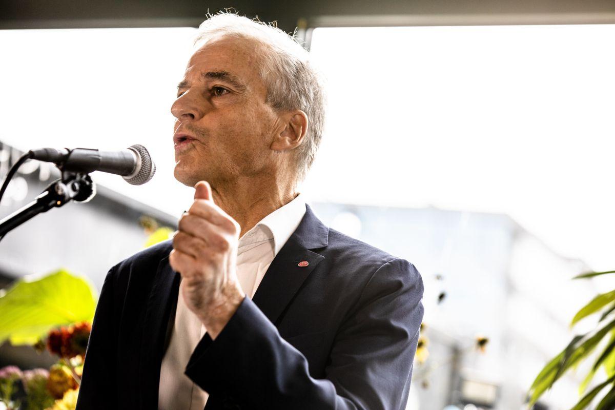 Jonas Gahr Støre (Ap) blir statsminister i en trepartiregjering av Arbeiderpartiet, Senterpartiet og Sosialistisk Venstreparti, tror Kommunal Rapports kommentator.