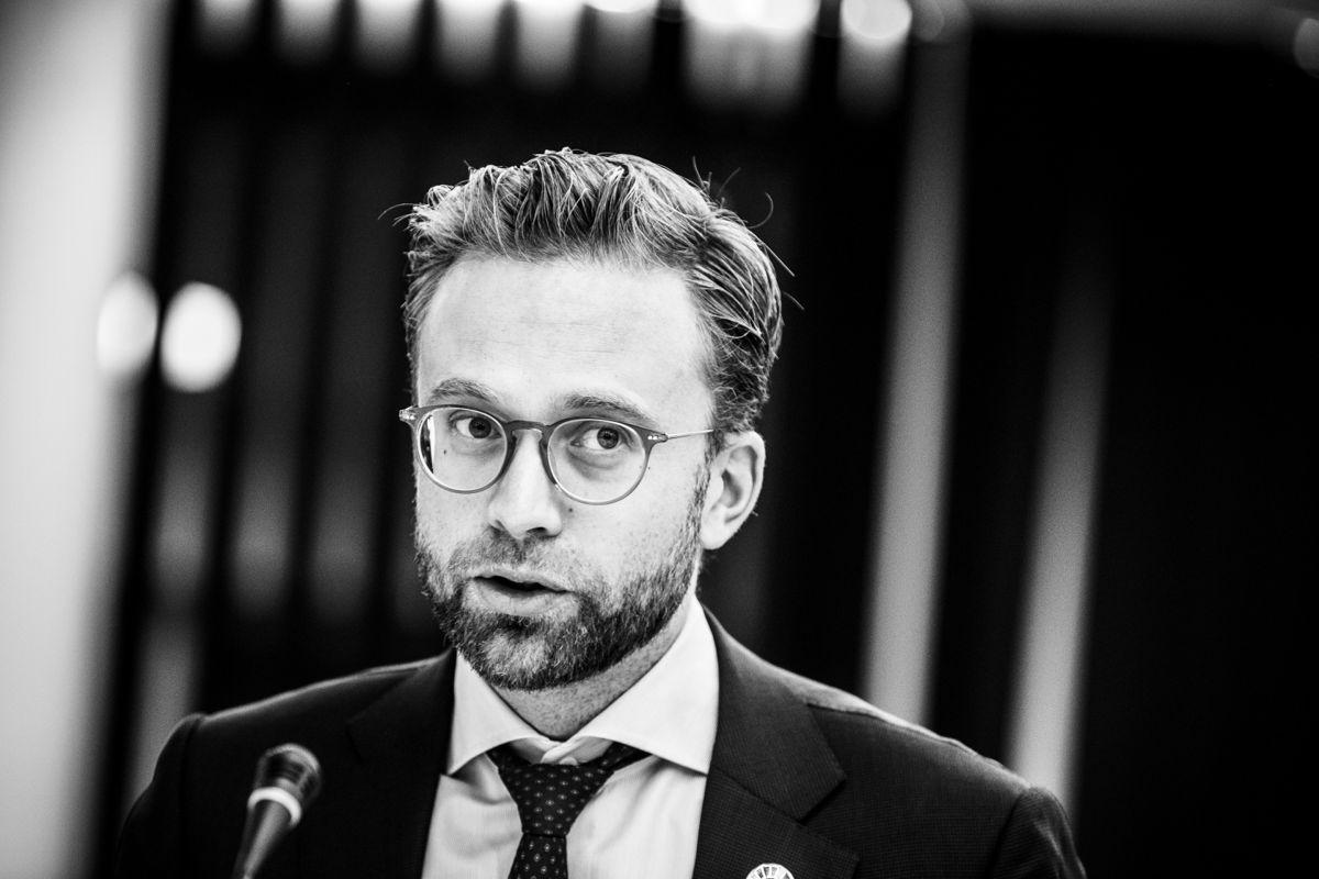 – Demokratiet må utvikles hele tiden. Vi må derfor skaffe oss god kunnskap om dets tilstand, for å se om vi bør gjøre noe annerledes, mener Nikolai Astrup.