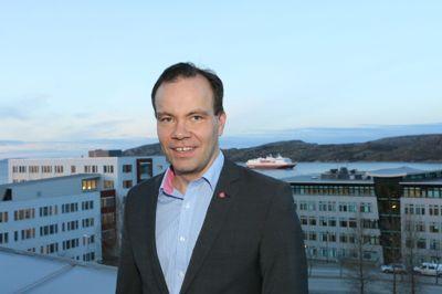 Fylkesrådsleder Tomas Norvoll (Ap) i Nordland har et vedlikeholdsetterslep på sine fylkesveier på opp mot 9 milliarder kroner.