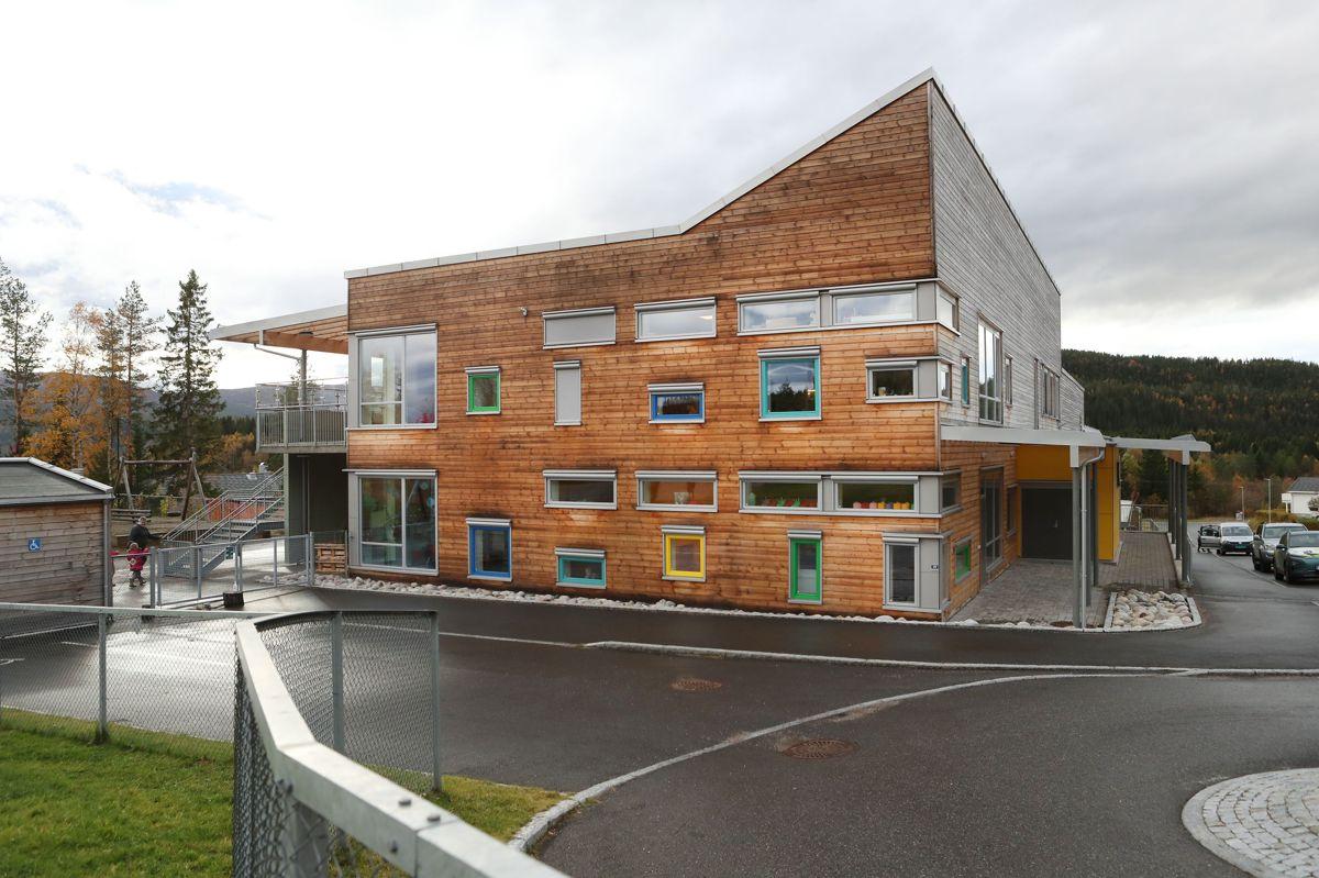 Skage barnehage i Overhalla er et eksempel på at stadig flere kommuner bygger i tre.