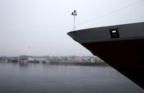 <p>Vi har forståelse for at Hurtigruten ikke kan gå i ordinær rutefart i dagens situasjon, men det kan ikke være slik at lokalsamfunn langs kysten skal ta hele støyten, skriver lederne i Norske Havner.</p>