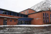 Elevane ved Hafstad vidaregåande skule i Sunnfjord mangla lærebøker i naturfag då dei starta på skulen i haust.