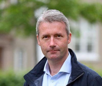 Jan Sivert Jøsendal valgte å trekke seg som fylkesrådmann i Vestfold og Telemark etter at det kom flere bekymringsmeldinger mot hans lederstil.