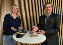 <p>Beate Lofseik og Per Olaf Skogshagen i Husbanken søker kommuner som er villig til å ta på seg oppgaven som piloter.</p>