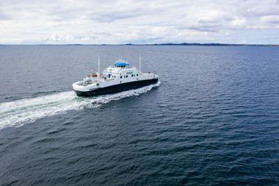 Vestland fylkeskommune får 12 millioner kroner i støtte til elektrifisering av fire hurtigbåter.