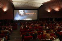 <p>KS liker dårlig at kommunale kinoer må betale tilbake flere millioner i kompensasjon for tapte billettinntekter.</p>