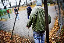 <p>En mindre gruppe flyktninger må vente i årevis på å bli bosatt etter at de har fått oppholdstillatelse. I fjor utgjorde de 30 mottaksbeboere, hvorav noen hadde ventet opptil sju-åtte år på å bli bosatt, skriver Libe Rieber-Mohn og Frode Forfang.</p>