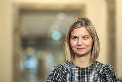 Kunnskapsminister Guri Melby flagger nå at regjeringen vil innføre et prinsipp om fritt skolevalg til våren for å hindre at fylkene vedtar og innfører nærskoleopptak.
