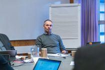 <p>Tidligere Brønnøy-rådmann Helge Thorsen mener KS-advokat har brutt god advokatskikk i sitt arbeid for Brønnøy kommune.</p>