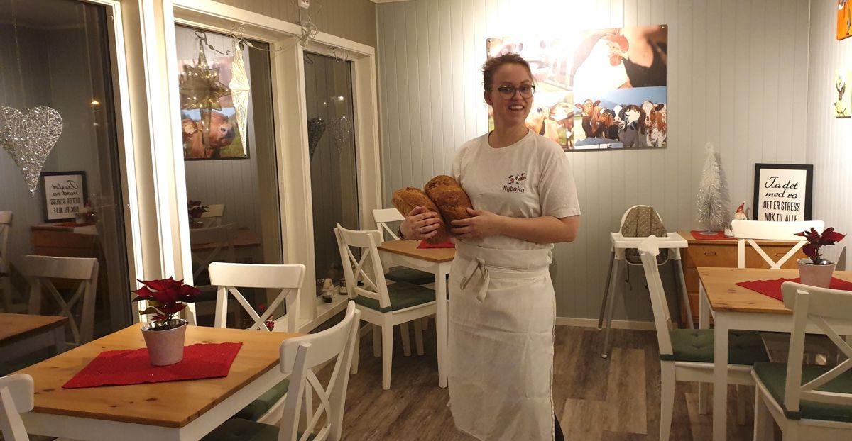 Varaordfører Jenny Tande Fagereng (H) i Bø i Vesterålen driver bakeri med servering på gården hvor hun bor med familien. Den lille kommunen får stor oppmerksomhet for tiden på grunn av senket formuesskatt og tilflytting av rikinger.