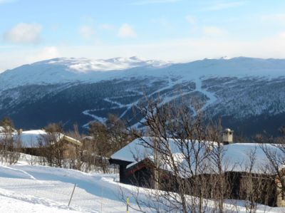 Alpinsenteret er kanskje noe av det første mange forbinder med hyttekommunen Nore og Uvdal. Her med utsikt til Nordnuten.