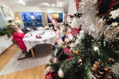 Kunnskapsministeren skaper falske forventninger når hun åpner opp for mer hjemmeundervisning før jul, mener Skolelederforbundet.