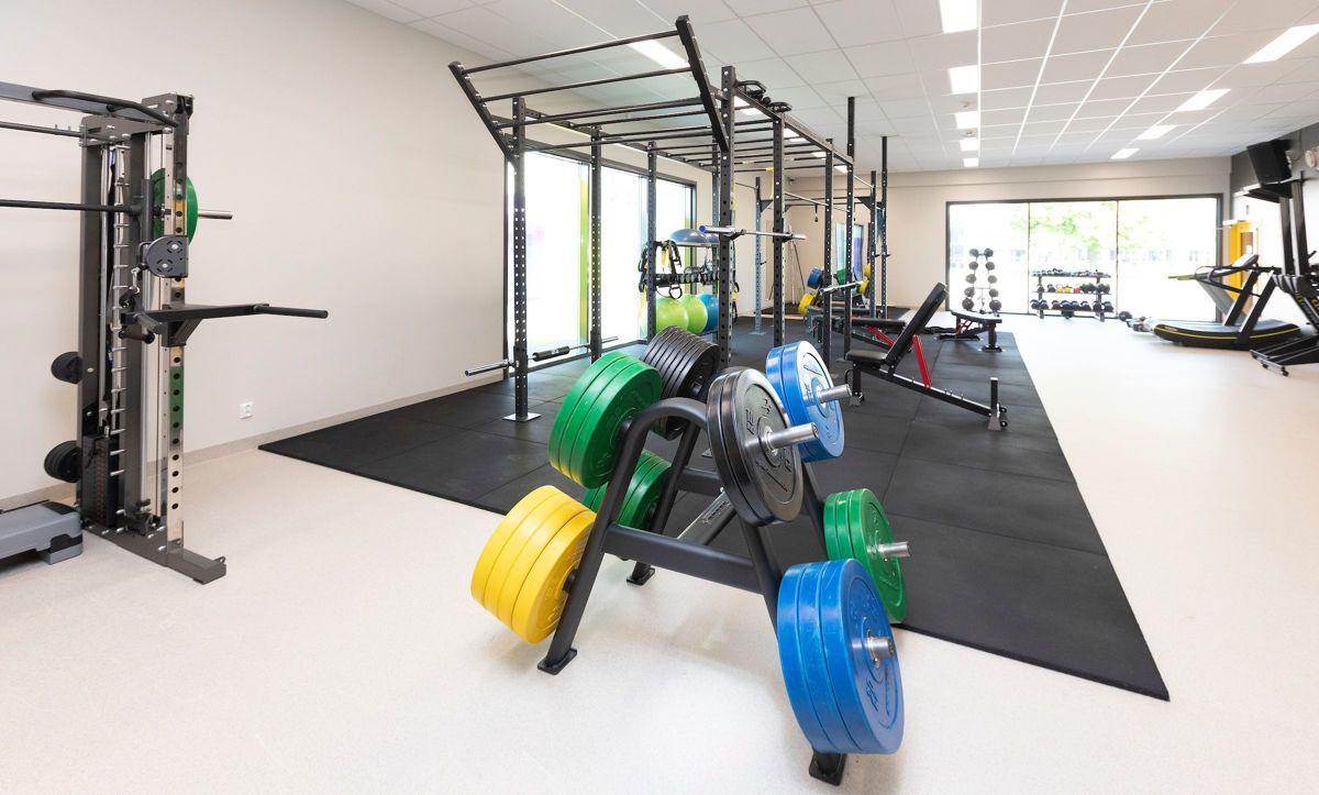 TRENINGSROM: I tilknytning til hallen ligger det populære treningsrommet. (Foto: Fredrik Naumann/Felix Features)