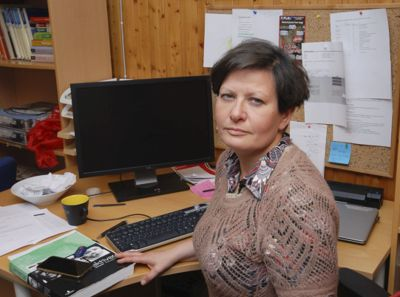 Ordfører Helga Pedersen (Ap) i Tana kommune synes det var en tung avgjørelse å vedta å fjerne rådmannen.