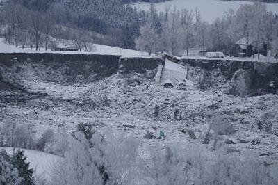Hva utløste skredet i Gjerdrum? Nå starter undersøkelsene.