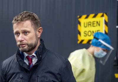 Helseminister Bent Høie (H) roste både de som står i førstelinjen og de kommunale lederne i sin tale.