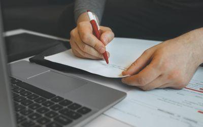 Jo flere innbyggere og ansatte en kommune har, desto større er sjansen for at den har én eller flere jurister ansatt, viser en undersøkelse fra Norges Juristforbund.