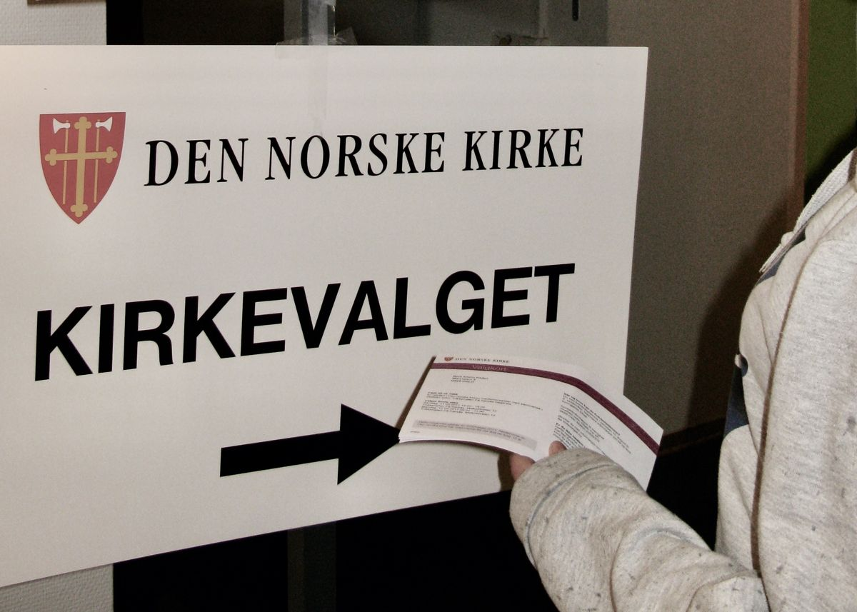 Etter valget i 2019, rapporterte 44 kommuner at kirkevalget virket forstyrrende på det offentlige valget, skriver Lars-Petter Helgestad.