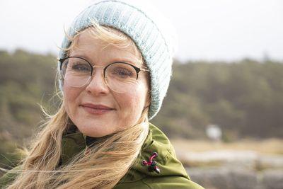 Ordfører Mona Vauger (Ap) i Hvaler har stått i hard vind de siste ukene etter at kommunen gjorde endringer i driften av campingen i nasjonalparken på Storsand.