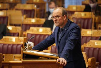 Senterpartiets Ole André Myhrvold mener energipolitikken og klimapolitikken må ses i sammenheng.