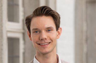 Leder Haakon Kvenna Veum (H) i hovedutvalget for barn og oppvekst i Bærum vil omgå nærskoleprinsippet i Viken.