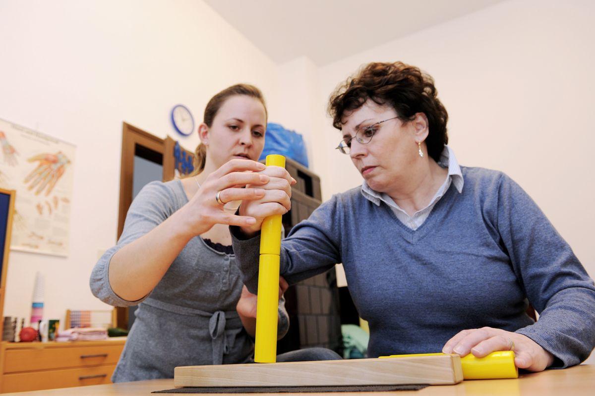 Ifølge Norsk Ergoterapeutforbund er det lang ventetid på ergoterapitjenester flere steder.