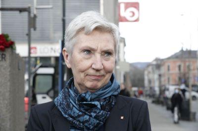 Konstituert LO-leder Peggy Hessen Følsvik stiller til lønnsforhandlinger med krav om at kjøpekraften opprettholdes og at lavtlønte får et ekstra tillegg.