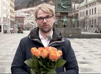 Bergen kommune mottok språkprisen 2020. Byrådsleiar, Roger Valhammar (Ap), i Bergen takkar innbyggjarane for tilbakemeldingar kommunen har fått på språkbruken.