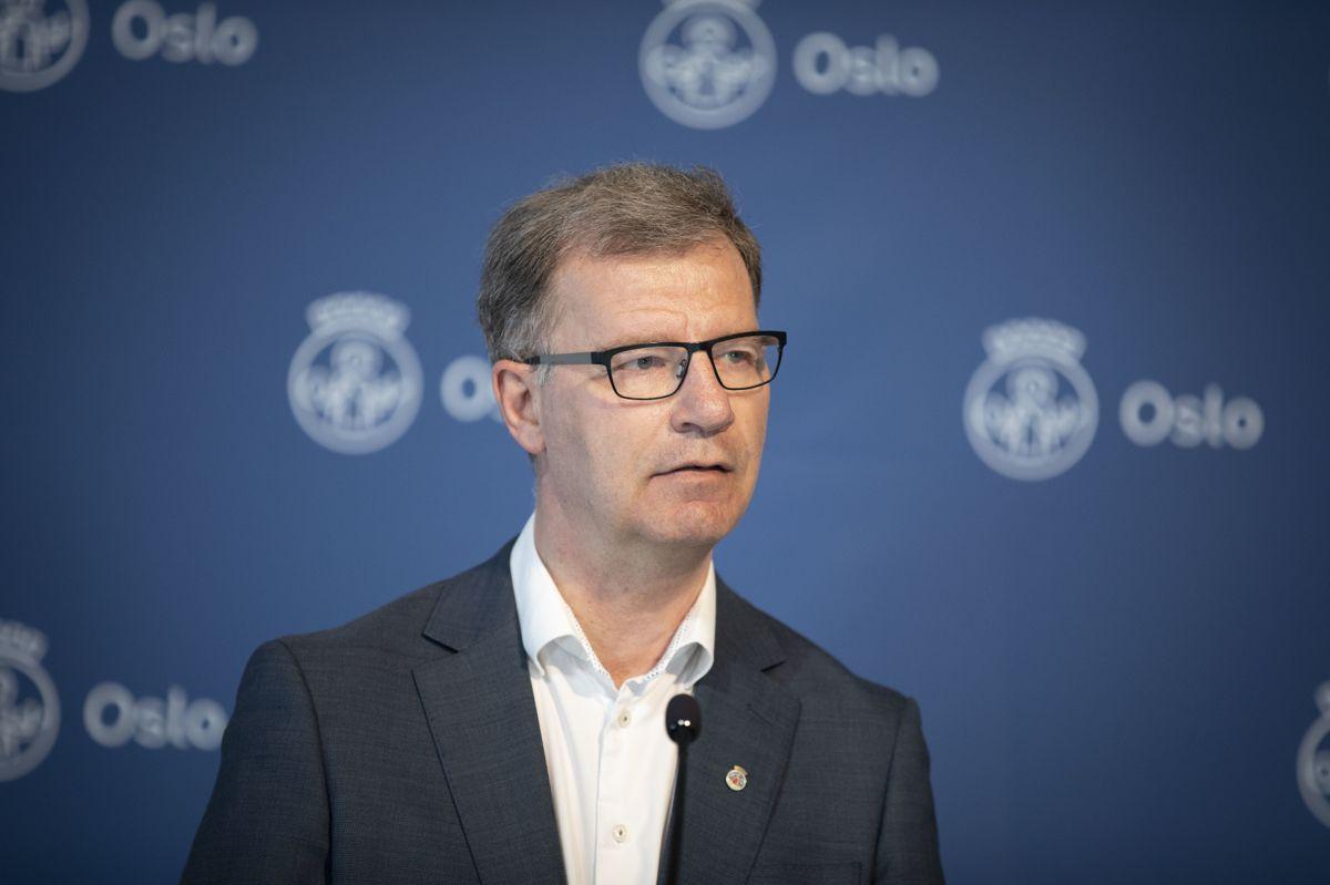 Helsebyråd Robert Steen forteller at Oslo går i gang med vaksinering av 12-15-åringer allerede neste uke.