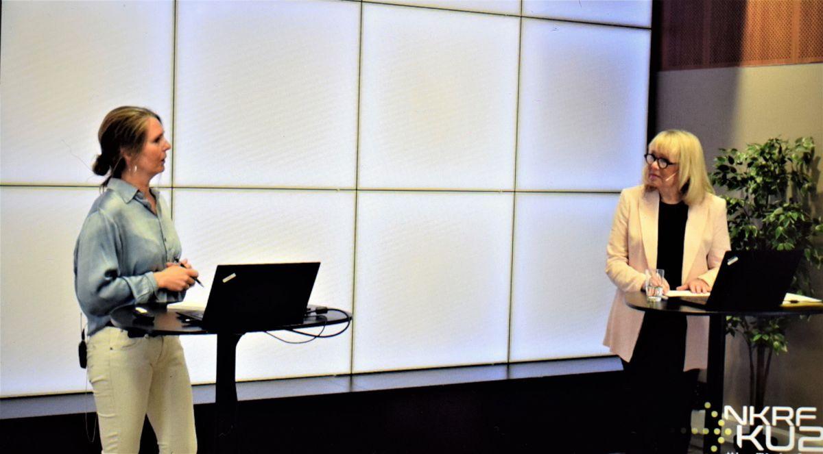 Forskningssjef Sissel Trygstad i Fafo (t.v.) uttalte til møteleder Eva Bratholm at frykt for represalier fører til at det varsles for lite.