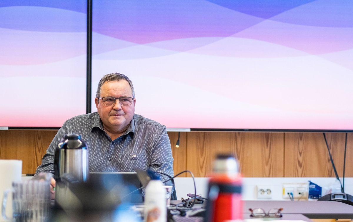 Ordfører Eilif Trælnes (Sp) mener at han ble utsatt for et kraftig politisk press i striden om korrupsjonsuttalelser i Brønnøy.